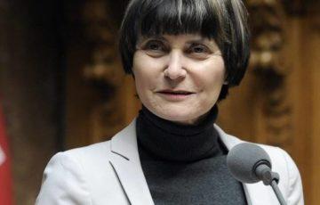 Micheline Calmy-Rey scioccata dalla strumentalizzazione senza precedenti dell'UDC